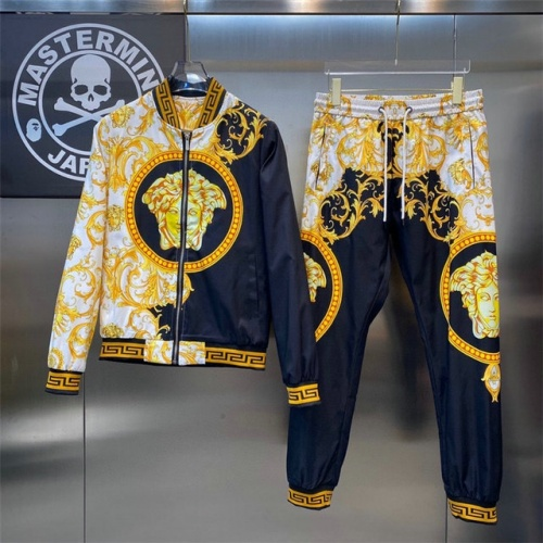 Versace Tracksuits Long Sleeved For Men #908620