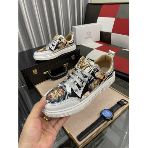 Replica Versace Casual Shoes For Men #909074 $72.00 USD for Wholesale