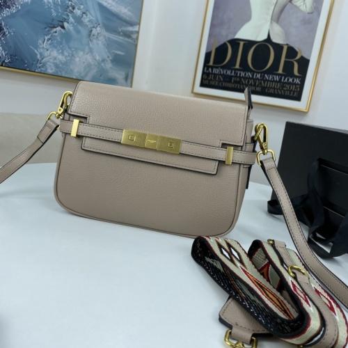Yves Saint Laurent YSL AAA Messenger Bags For Women #909307
