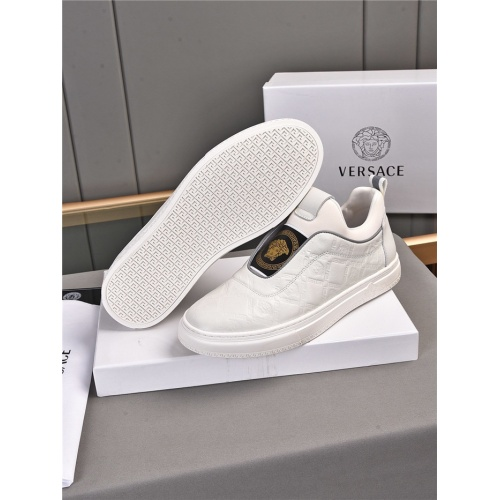 Replica Versace Casual Shoes For Men #909722 $76.00 USD for Wholesale