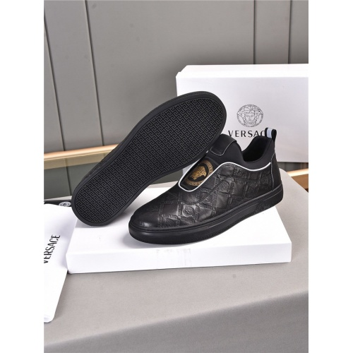Replica Versace Casual Shoes For Men #909723 $76.00 USD for Wholesale