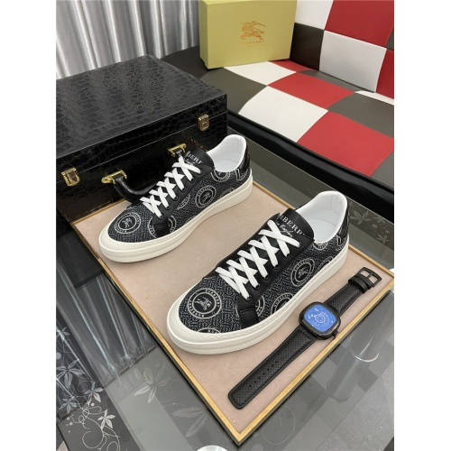 Burberry Casual Shoes For Men #909727