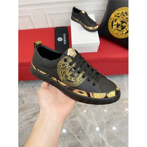 Replica Versace Casual Shoes For Men #910128 $72.00 USD for Wholesale