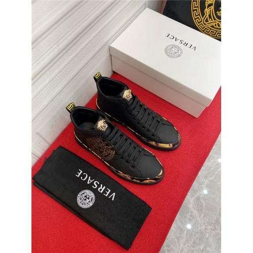 Versace High Tops Shoes For Men #910139