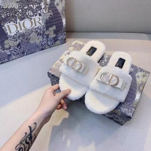 Christian Dior Slippers For Women #910356