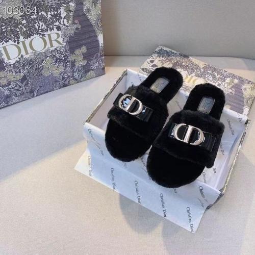 Christian Dior Slippers For Women #910357