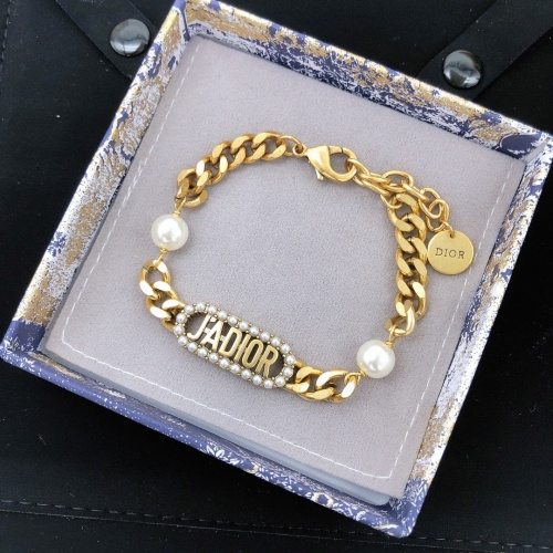 Christian Dior Bracelets #910416