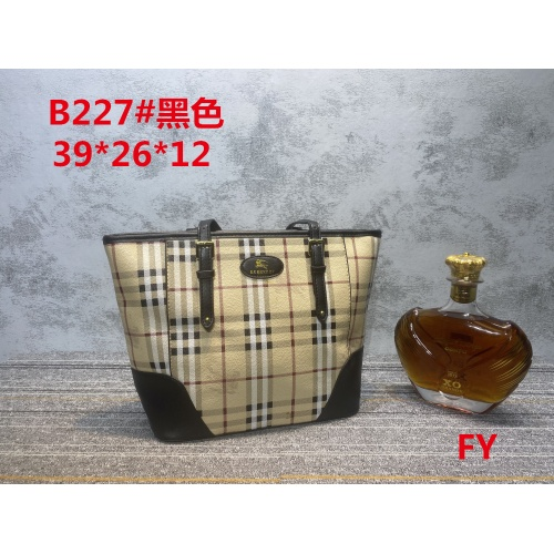 Burberry New Handbags For Women #910726 $33.00 USD, Wholesale Replica Burberry New Handbags
