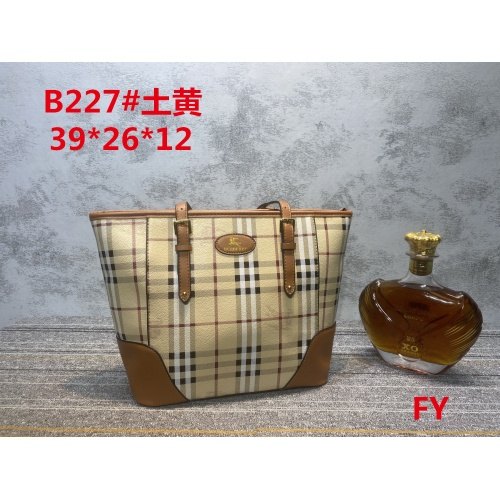 Burberry New Handbags For Women #910728 $33.00 USD, Wholesale Replica Burberry New Handbags
