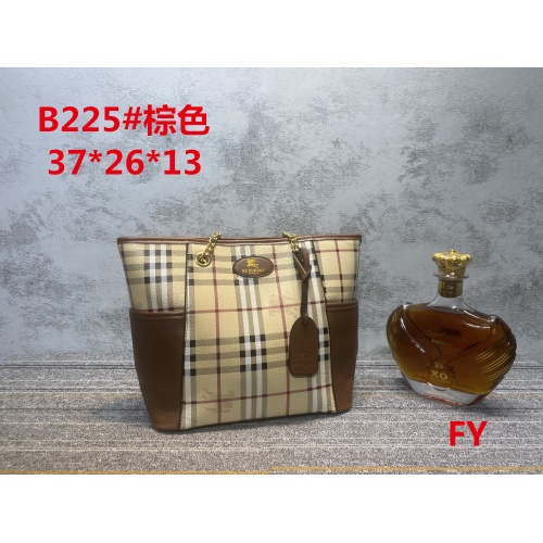 Burberry New Handbags For Women #910733 $33.00 USD, Wholesale Replica Burberry New Handbags