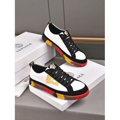 Versace Casual Shoes For Men #911273