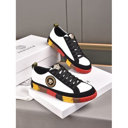 Versace Casual Shoes For Men #911275