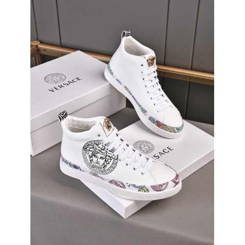 Versace High Tops Shoes For Men #911277