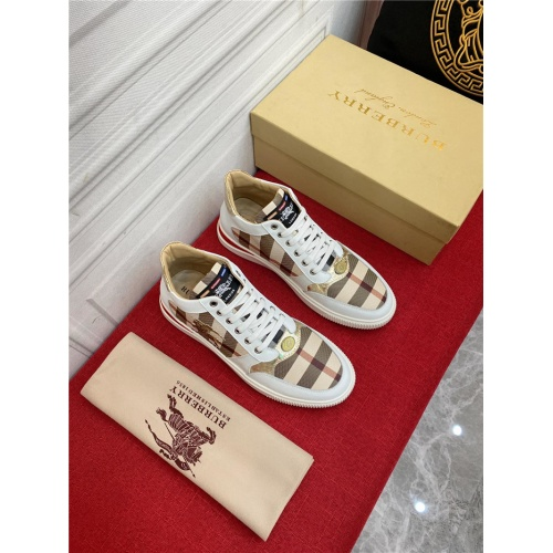 Burberry Casual Shoes For Men #911683