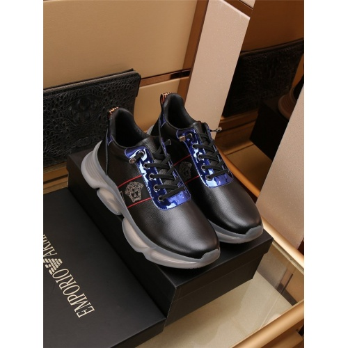 Versace Casual Shoes For Men #911710