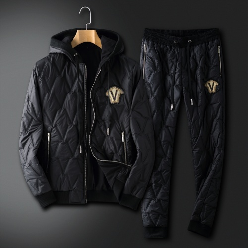 Versace Tracksuits Long Sleeved For Men #912277