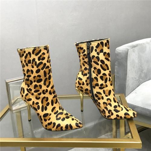 Versace Boots For Women #912463