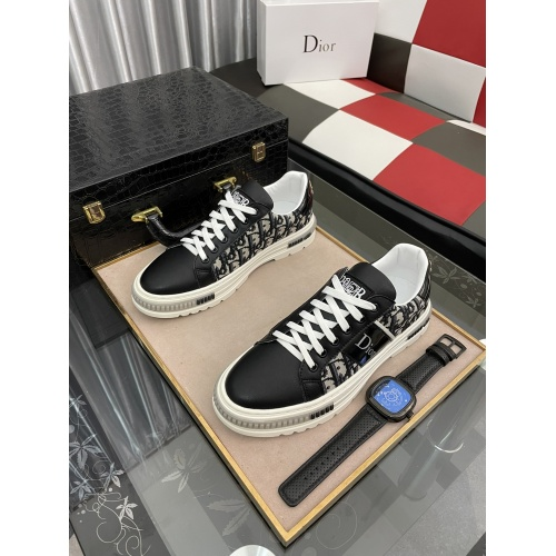 Christian Dior Casual Shoes For Men #912652