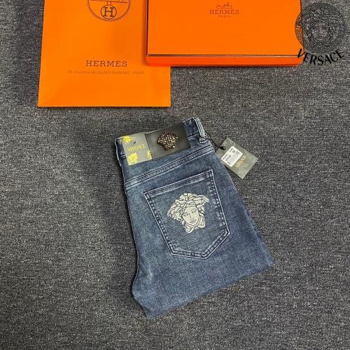 Versace Jeans For Men #912890