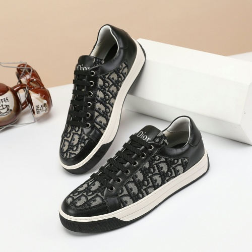 Christian Dior Casual Shoes For Men #913111