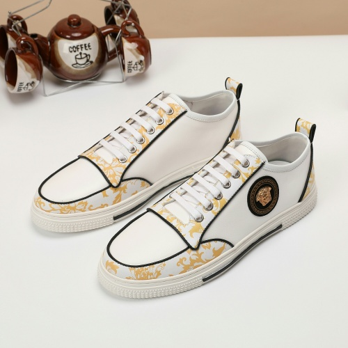 Versace Casual Shoes For Men #913153