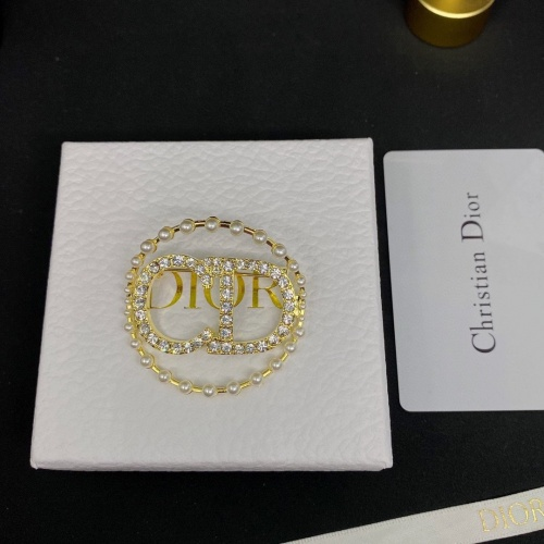 Christian Dior Brooches #913272