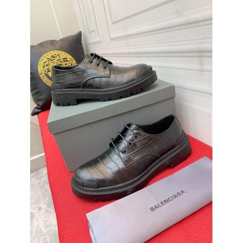 Balenciaga Leather Shoes For Men #913950