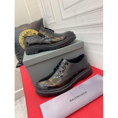 Balenciaga Leather Shoes For Men #913954