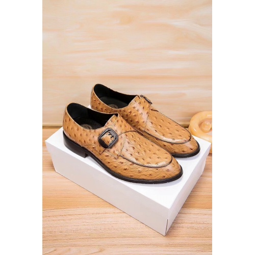 Versace Leather Shoes For Men #914251