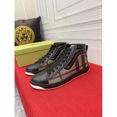 Burberry High Tops Shoes For Men #914925
