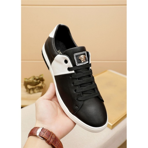 Replica Versace Casual Shoes For Men #914971 $72.00 USD for Wholesale