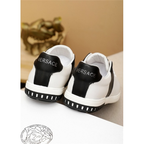 Replica Versace Casual Shoes For Men #914972 $72.00 USD for Wholesale