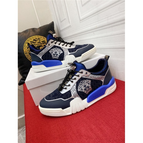 Versace Casual Shoes For Men #915238