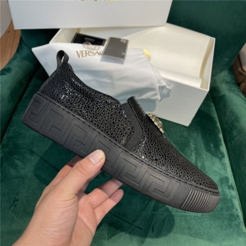Replica Versace Casual Shoes For Men #915479 $88.00 USD for Wholesale