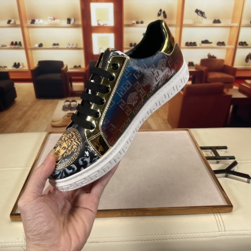 Replica Versace Casual Shoes For Men #915678 $72.00 USD for Wholesale
