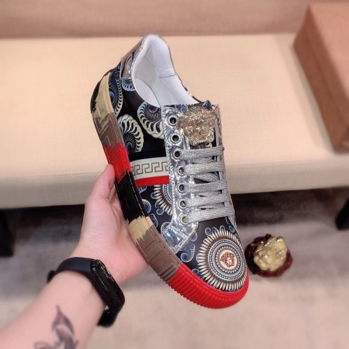 Replica Versace Casual Shoes For Men #915679 $76.00 USD for Wholesale