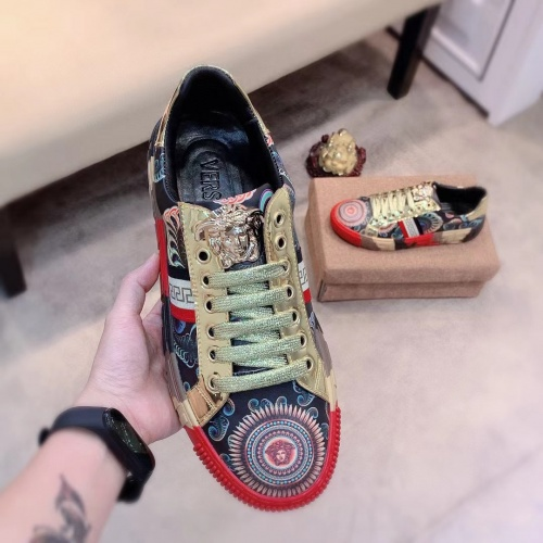 Replica Versace Casual Shoes For Men #915680 $76.00 USD for Wholesale
