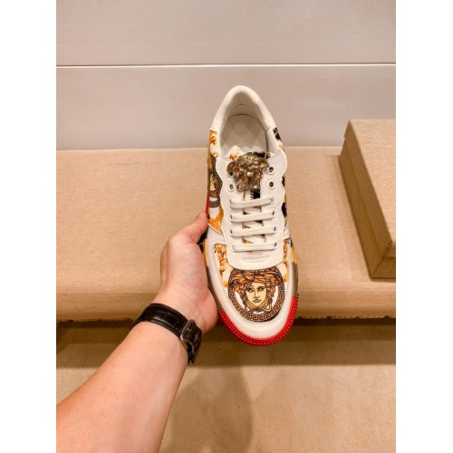 Replica Versace Casual Shoes For Men #915682 $76.00 USD for Wholesale