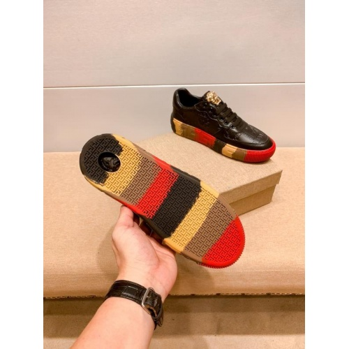 Replica Versace Casual Shoes For Men #915684 $76.00 USD for Wholesale