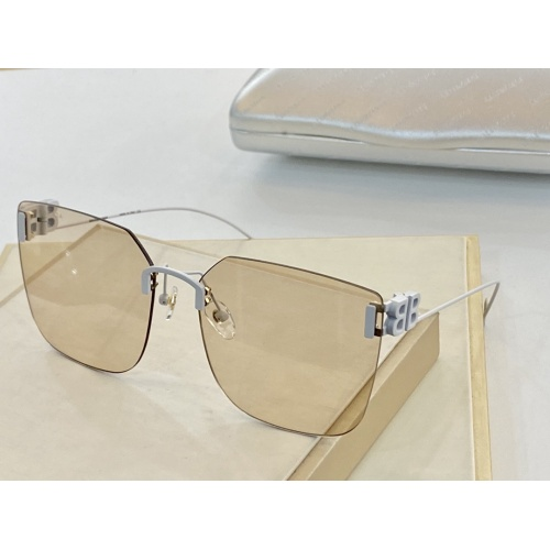 Balenciaga AAA Quality Sunglasses #915847