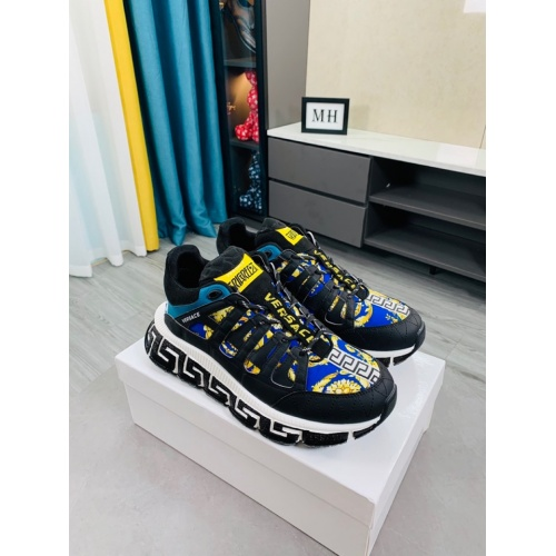 Versace Casual Shoes For Women #916342