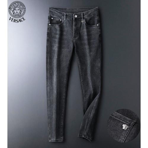 Versace Jeans For Men #916957