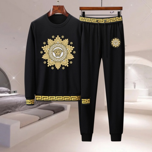 Versace Tracksuits Long Sleeved For Men #917000