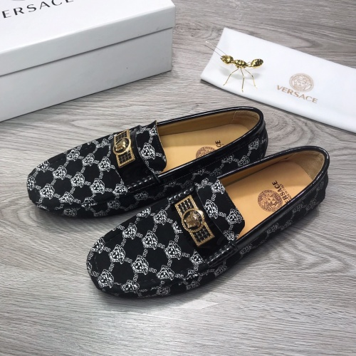 Versace Leather Shoes For Men #919284
