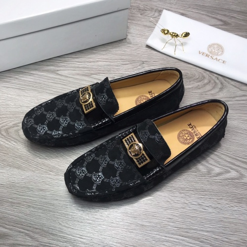 Versace Leather Shoes For Men #919285