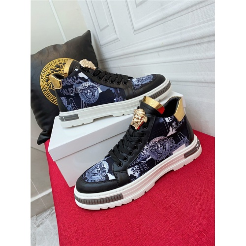 Versace High Tops Shoes For Men #919711