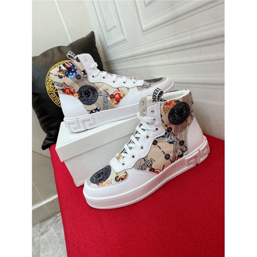 Versace High Tops Shoes For Men #919712