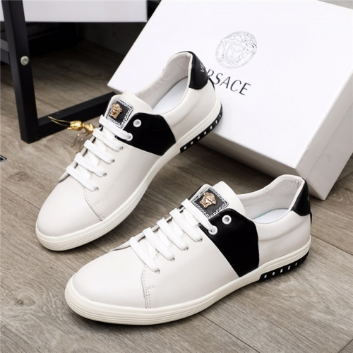 Versace Casual Shoes For Men #919773