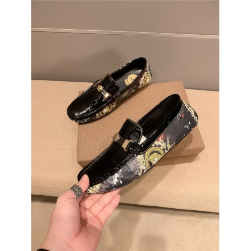 Versace Leather Shoes For Men #920587