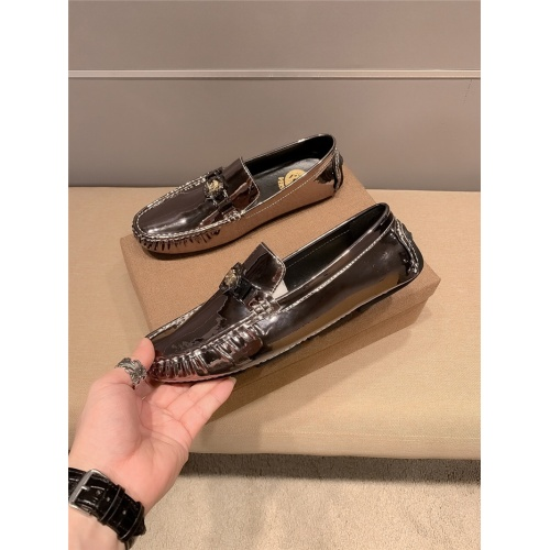 Versace Leather Shoes For Men #920642